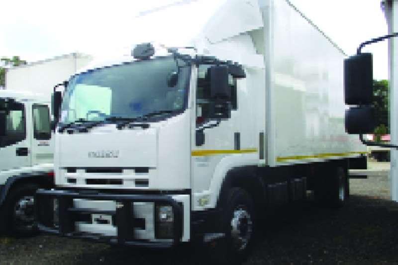 Truck Isuzu Volume Body FTR850 Volume Body 2014