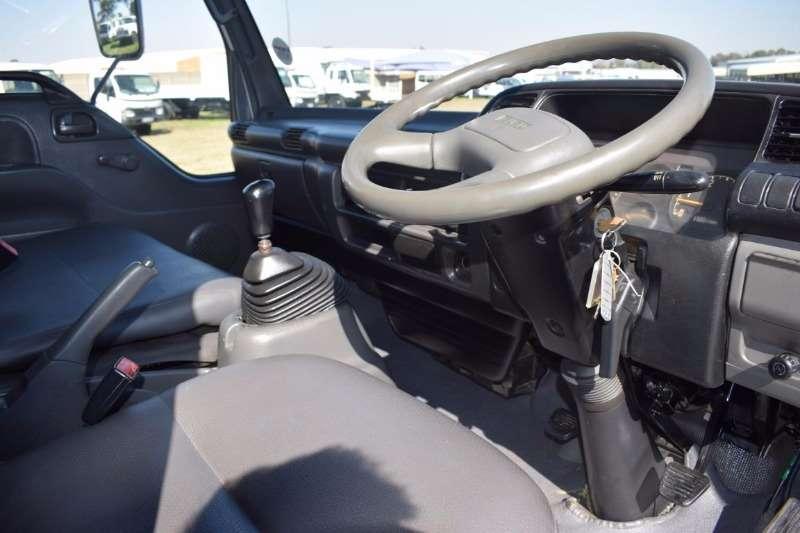 Isuzu Volume body NPR 400 Truck