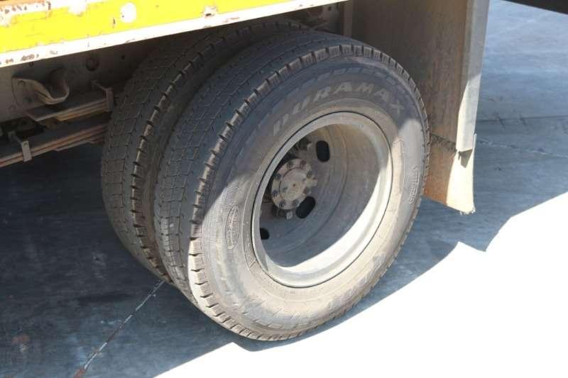 Isuzu Volume body NPR400 4x2 AMT Volume Van Truck