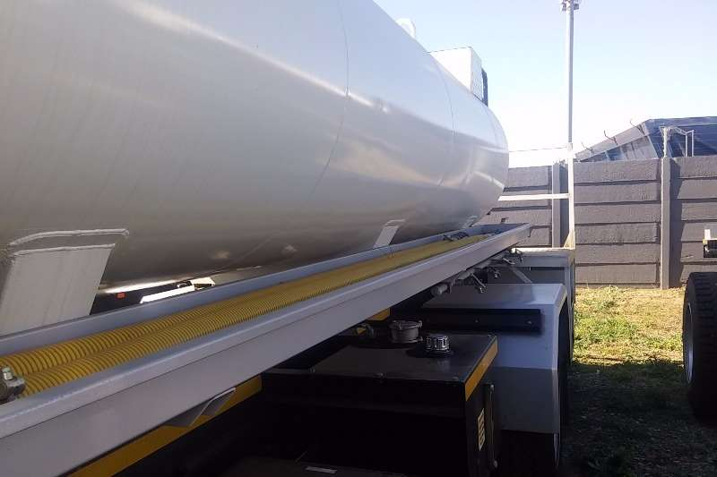 Isuzu Water tanker FTR 850 Man 7500L Water Tank Truck