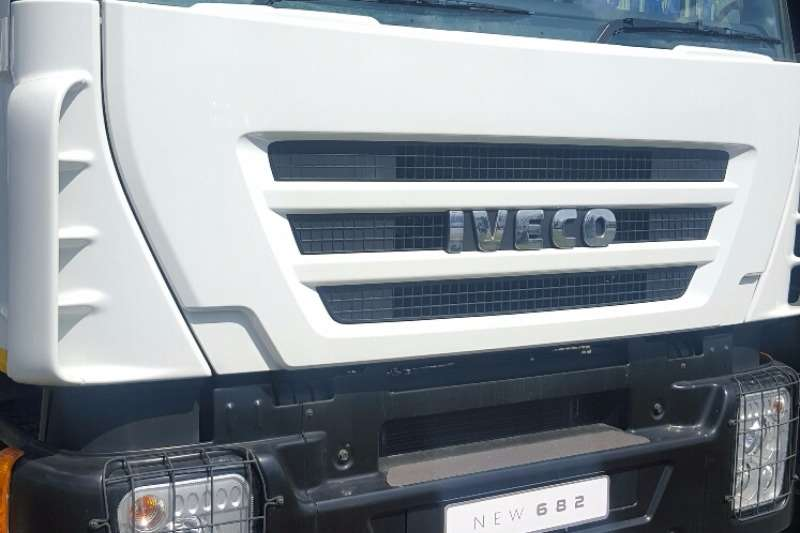 Iveco Cattle body 682 Truck