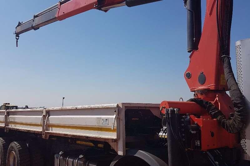 Iveco Crane truck Trakker 420 8x4 Twinsteer Truck