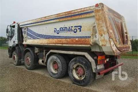 Iveco TRAKKER 440  Truck