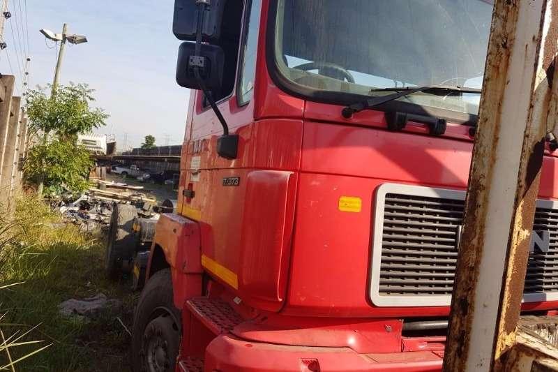 MAN 17-373 4x2 Horse Truck