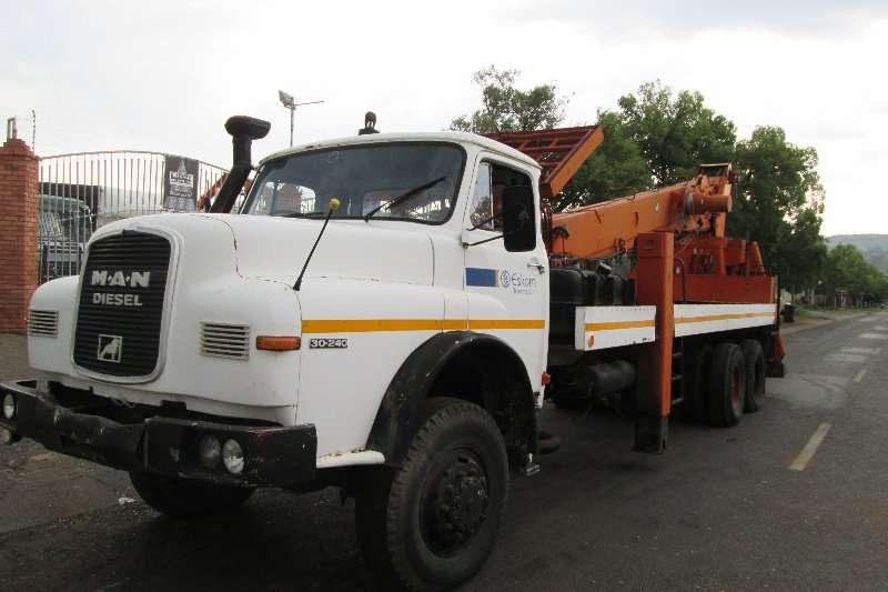 MAN Cherry picker 30.240 Truck