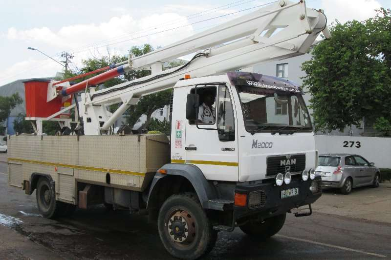 Truck MAN Cherry Picker LM2000 2000