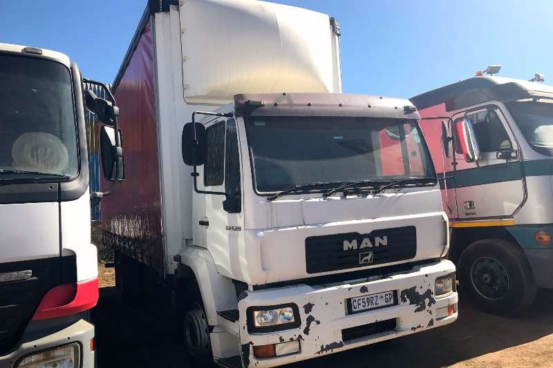 Truck MAN Curtain Side CLA15-220 TAUTLINER 2012