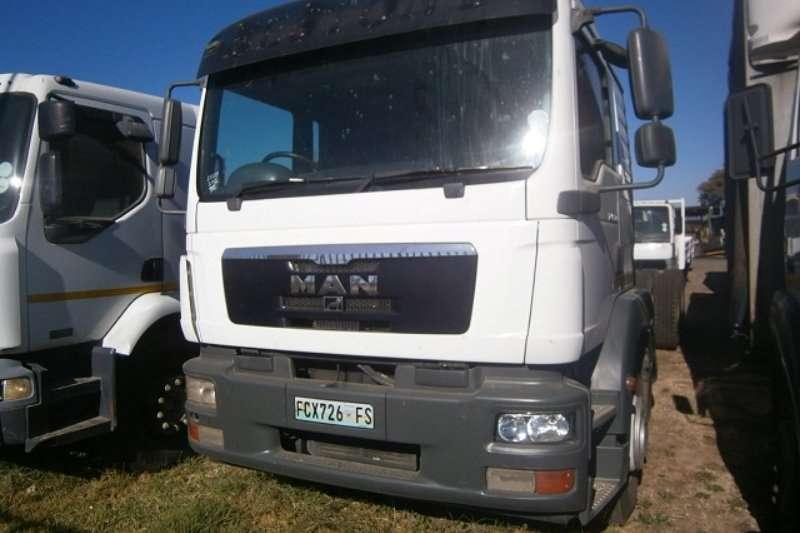MAN Curtain side TGA 25 280 Truck
