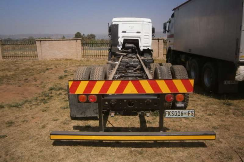 MAN Curtain side TGM 25-280 Truck