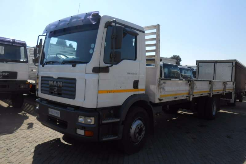 MAN Dropside MAN 15-240 DROPSIDE Truck