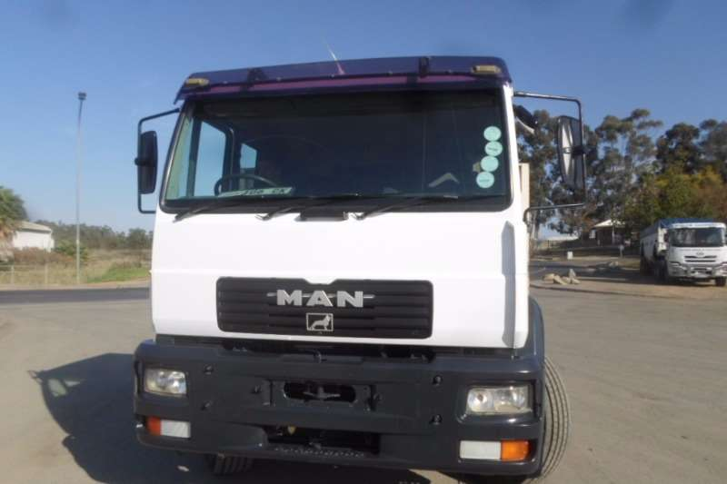 Truck MAN Flat Deck MAN 25.284 Flat deck 2002