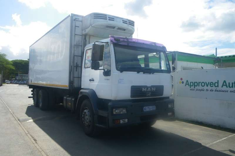Truck MAN Fridge Truck 25-284 LNLS WITH TS200 FRIDGE UNIT 2007