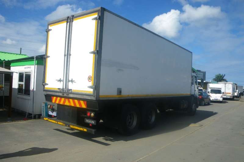MAN Fridge truck 25-284 LNLS WITH TS200 FRIDGE UNIT Truck
