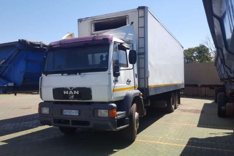 MAN Fridge truck MAN LM2000 25.224 Truck