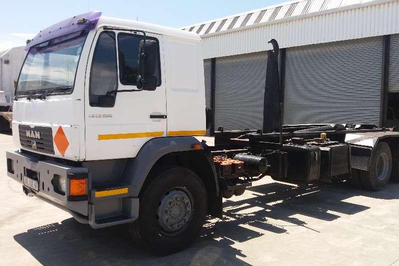 Truck MAN Hooklift M2000 280 LE 2004