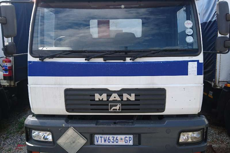 Truck MAN MAN 15 - 220 Curtain side 2007