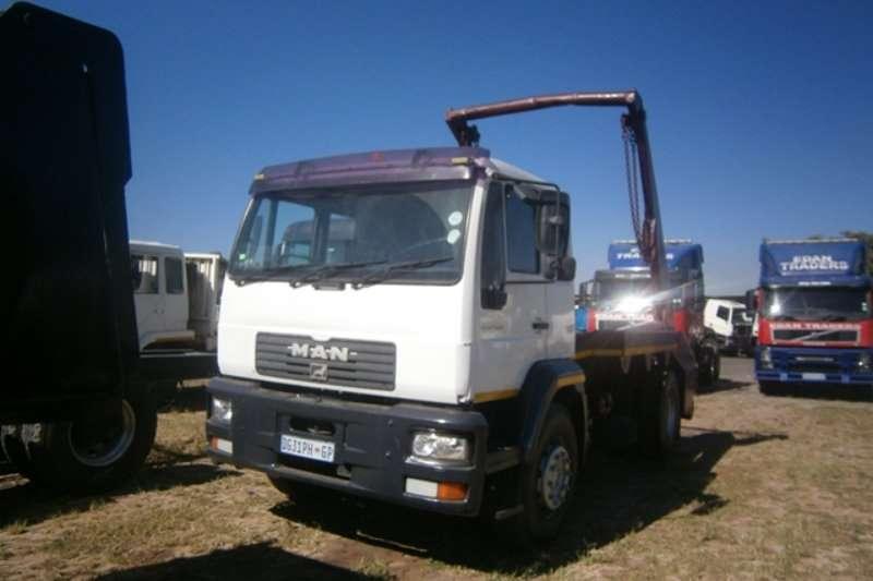 Truck MAN Skip Bin Loader LE 18-280 2003