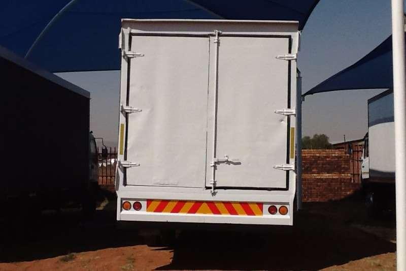 MAN Van body 15-240 8 ton van body Truck