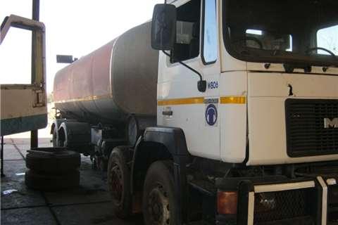 MAN Water tanker MAN 35-402 Truck
