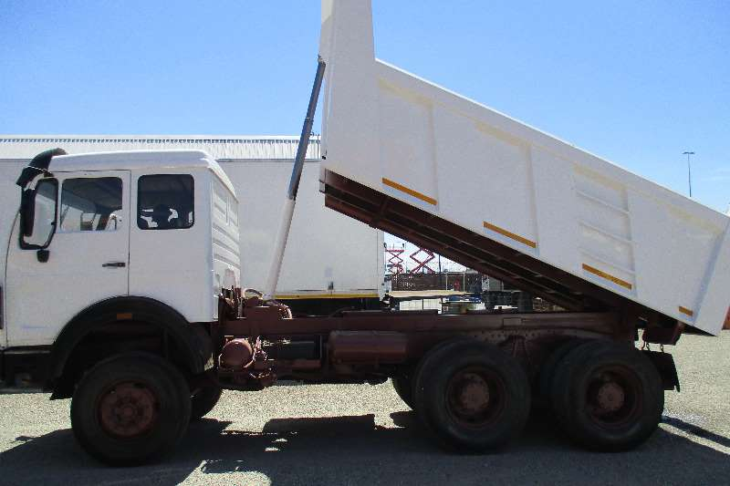 Truck Mercedes Benz 10m Tipper 26-36 0