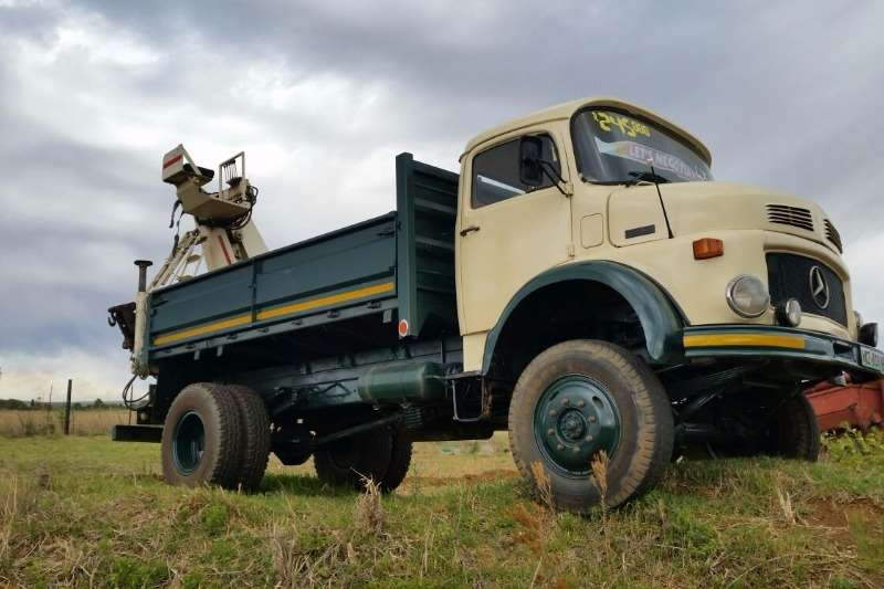 Mercedes Benz 1213 with Pesci Crane (4x4) Truck