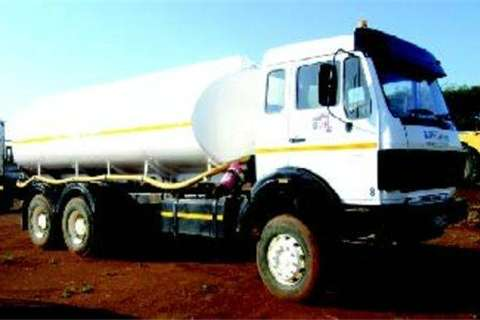 Truck Mercedes Benz 2628 16 000L water truck- 1991