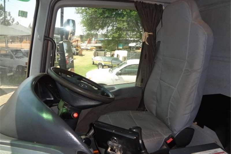 Mercedes Benz 3335 Actros Cleanfast Truck
