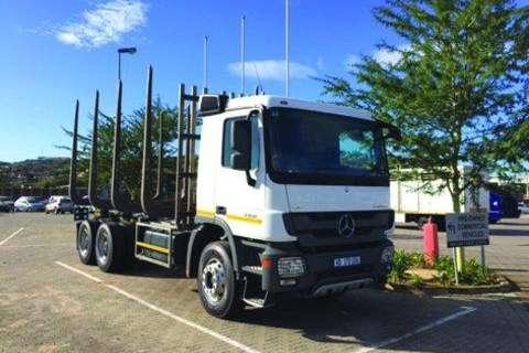 Truck Mercedes Benz 3350/45- 2014