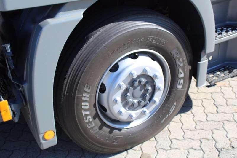Mercedes Benz Actros 2644 MP2 6x4 Horse Truck