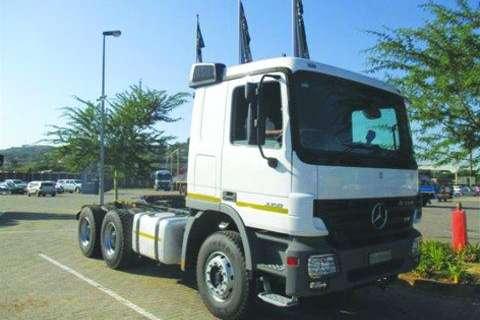 Mercedes Benz Actros 3350S/33 6x4 Truck Tractor- Truck