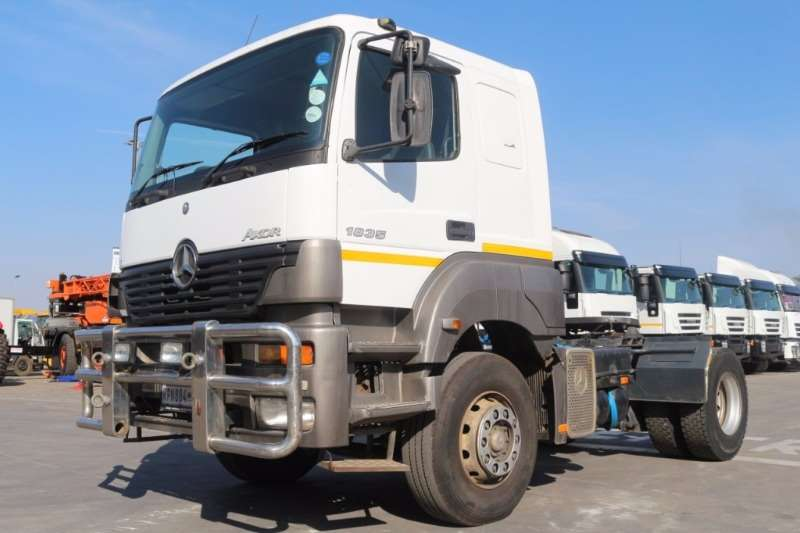 Truck Mercedes Benz Axor 1835 LS/36 4x2 Horse 2004