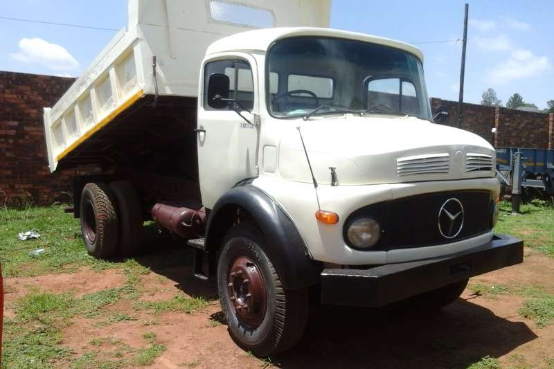 Truck Mercedes Benz Bullnose 6 CUBE TIPPER FOR SALE 1984