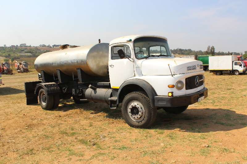 Mercedes Benz Bullnose Mercedes Benz Bull nose with 8000 stainless steal  Truck
