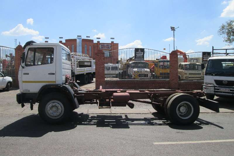 Mercedes Benz Chassis cab 1617 Truck