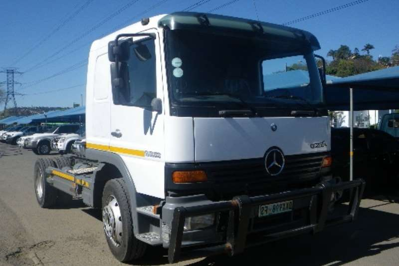 Truck Mercedes Benz Chassis Cab Atego 1328 2000