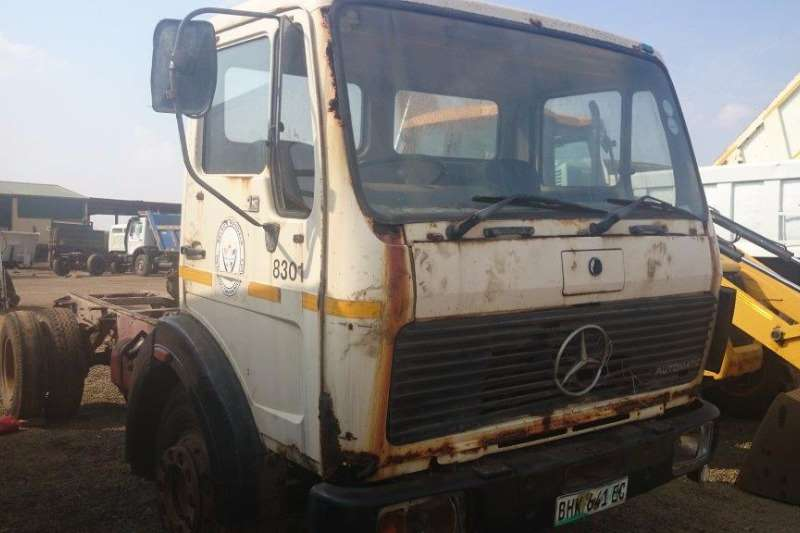 Truck Mercedes Benz Chassis Cab V-Series 1213 0