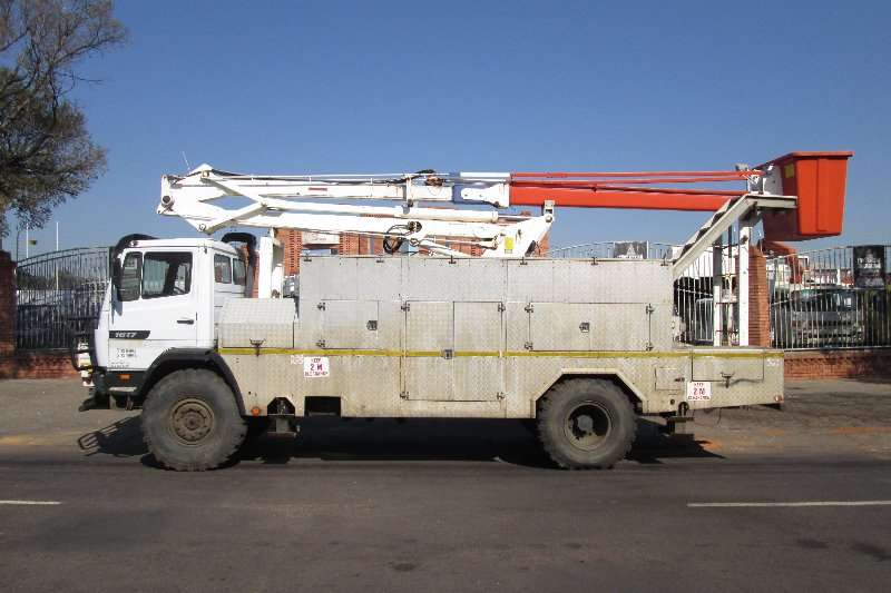 Mercedes Benz Cherry picker 1617 Truck