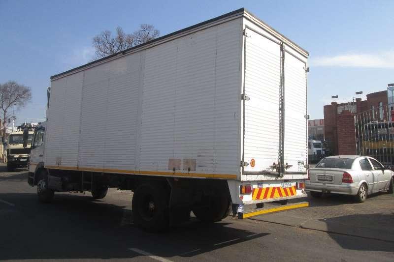 Mercedes Benz Closed body 1523 Truck