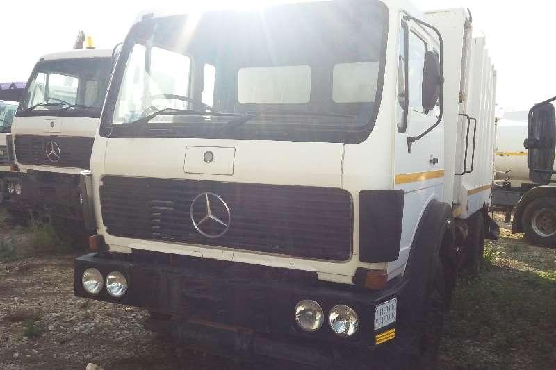 Mercedes Benz Compactor 19-24 Econoliner 4x2 Compactor Truck