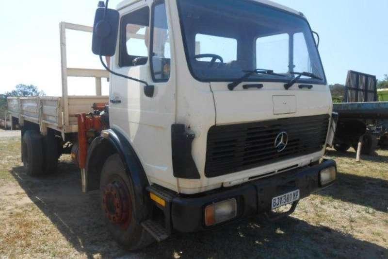Truck Mercedes Benz Crane Truck 0