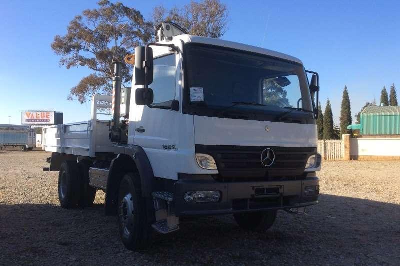 Mercedes Benz Crane truck 1523 4x4 Dropsides with Pesci SE180SA Crane Truck