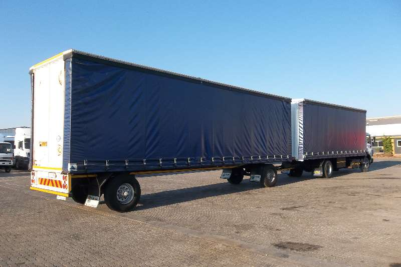 Mercedes Benz Curtain side 17.35 POWERLINER 8 TON TAUTLINER Truck