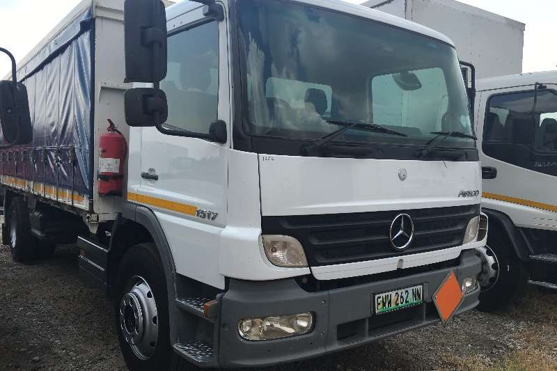 Mercedes Benz Curtain side 2007 Mercedes 1517 Atego Truck