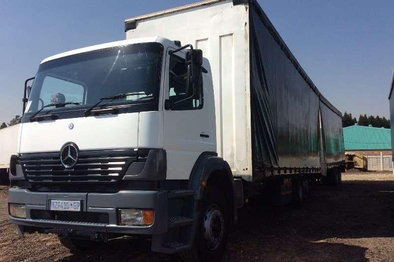 Mercedes Benz Curtain side Rigid Curtain Side Truckwith Trailer Truck
