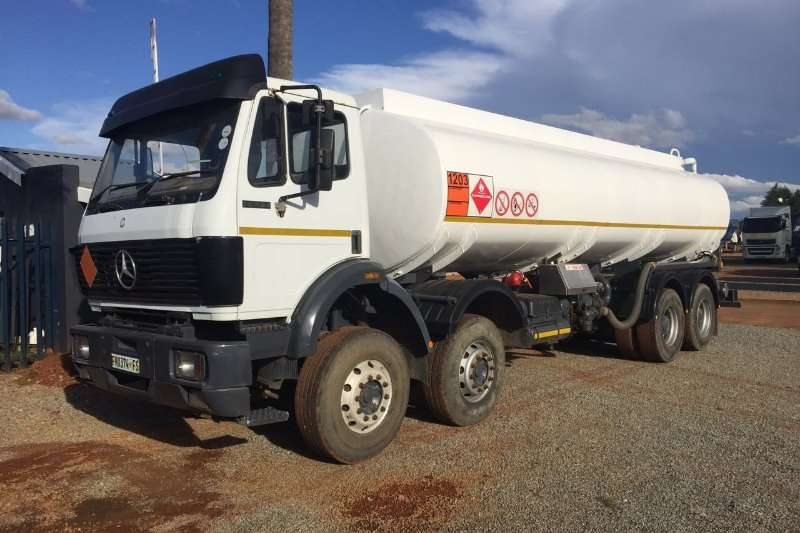 Mercedes Benz Diesel tanker M/Benz 35.35 8x4 18000L Fuell Pumps and Meters Truck