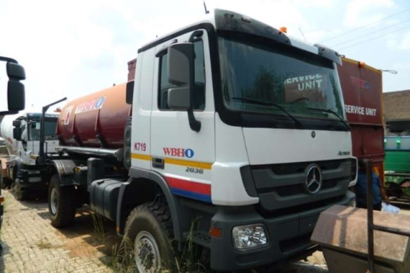 Mercedes Benz Diesel tanker Mercedes Benz Actros 2036 4x4 with Ravasini 10,000 Truck