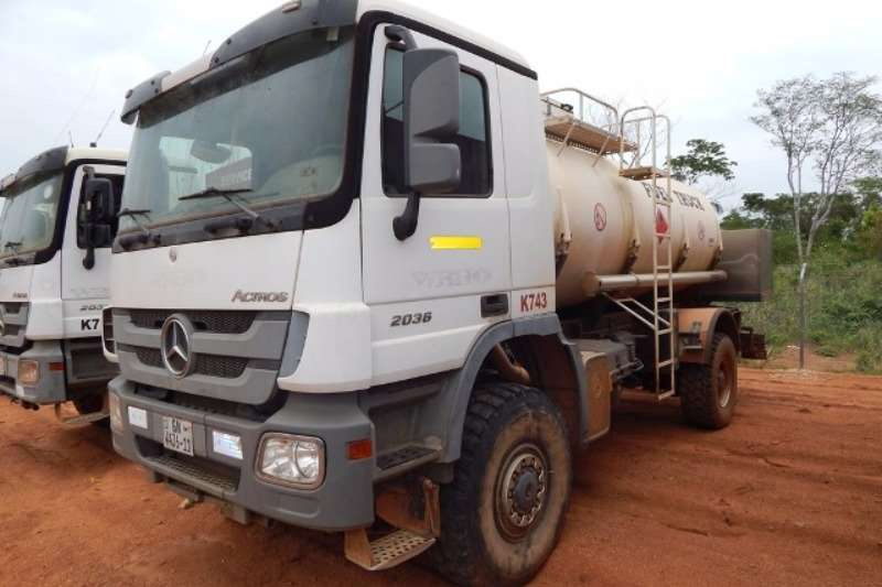 Mercedes Benz Diesel tanker Mercedes Benz Actros 2036 4x4 with Ravasini 10,750 Truck