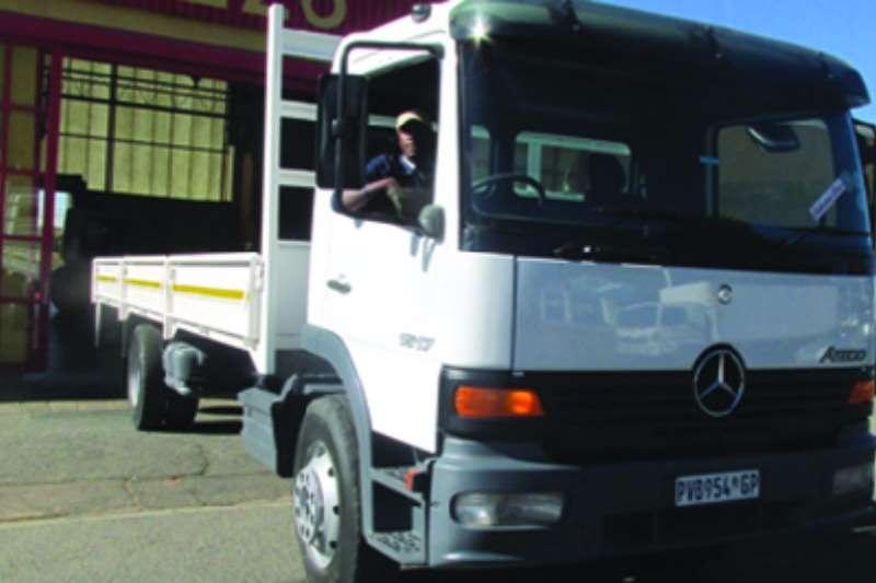 Truck Mercedes Benz Dropside Atego 15-17 2002