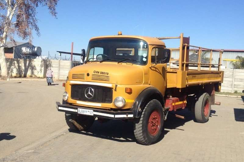 mercedes benz mercedes benz 1113 dropside truck trucks for