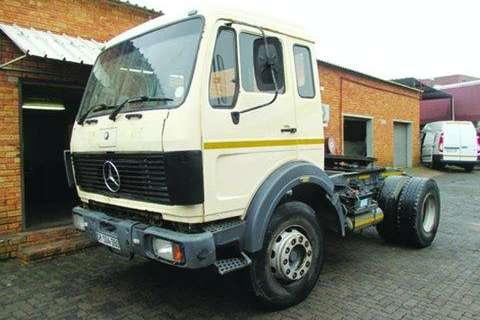 Truck Mercedes Benz Econoliner- 1984
